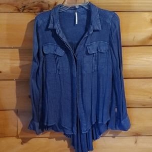 Free people blue button front top with details